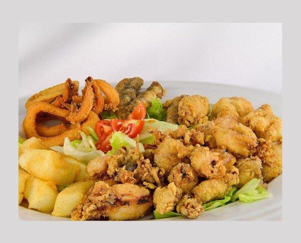 Pescado Frito. Excelente harina para el pescadito frito permite un pescado terso y nada aceitoso.