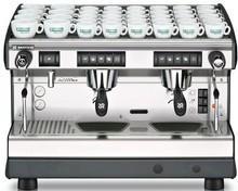 Cafetera. Cafetera electrónica con intercambiadores de calor