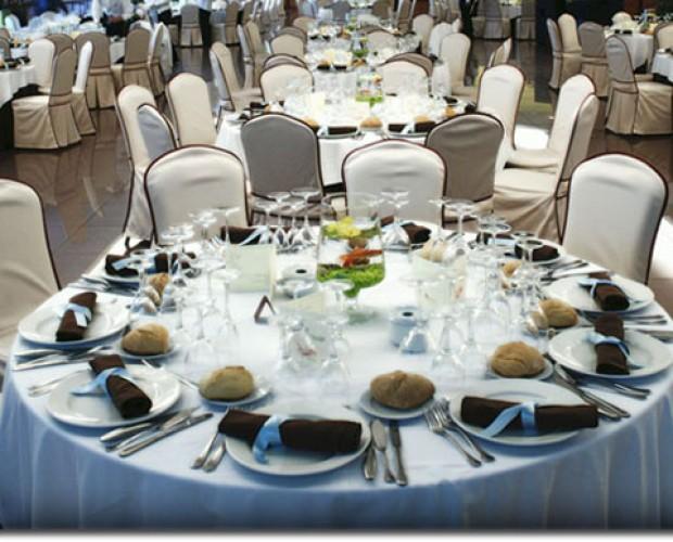Salones para Celebraciones.Disponemos de una sala para bodas