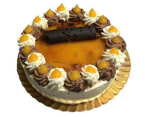 Massini. Tarta de nata, trufa y yema quemada