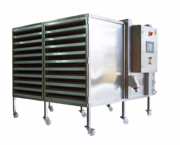 Deshidratadores de 20 bandejas. Equipo compacto y de grandes prestaciones con un consumo bajo muy optimizado.