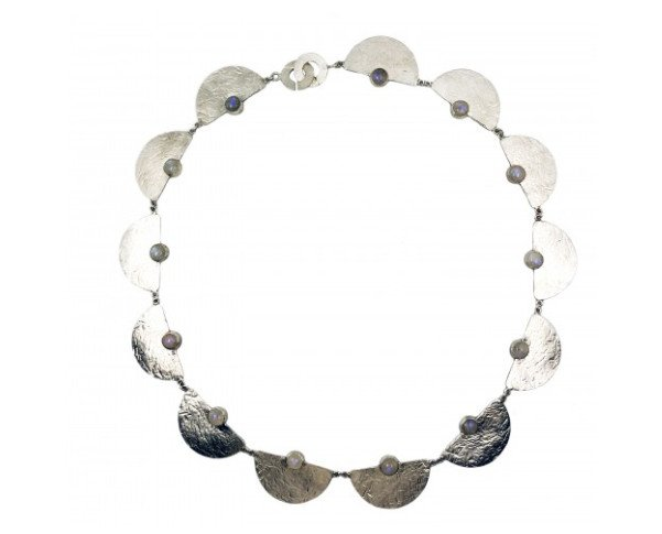 Collar Selene. Collar de plata de ley con trece piedra lunas