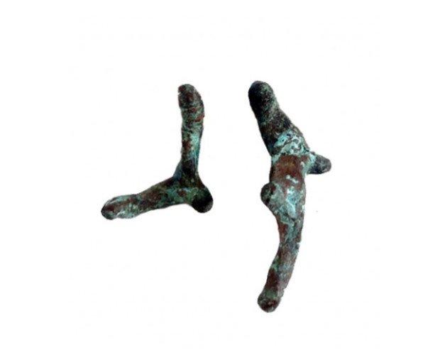 Pendientes coral. Pendientes de bronce con pátina y plata de ley