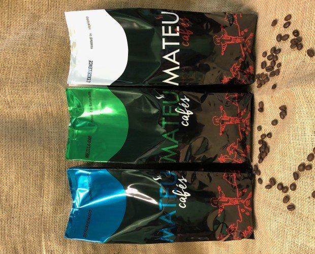 Variedad de cafés.. Café Natural, Café Mezcla y Café Descafeinado.