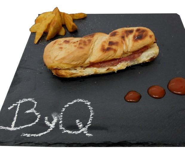ByQ. Bocadillo de bacon y queso