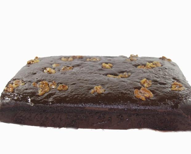 Bizcocho chocolate. Chocolate y nueces