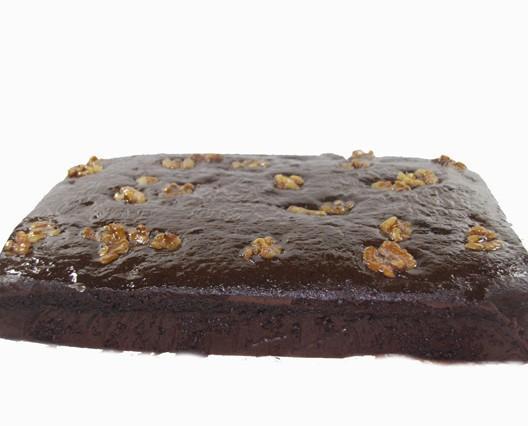 Bizcocho chocolate con nueces. Chocolate y nueces