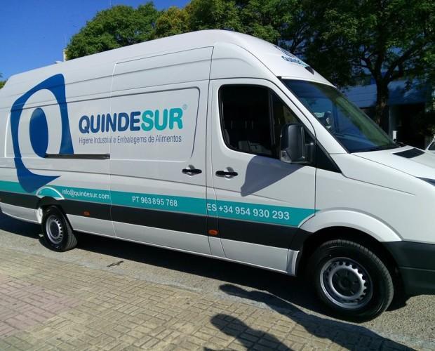 Transporte propio. Servicio de entrega de mercancía en 24 a 48 horas.