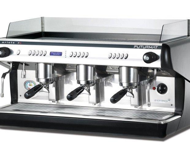 Cafetera Industrial Futurmat. Fácil instalación y manipulación