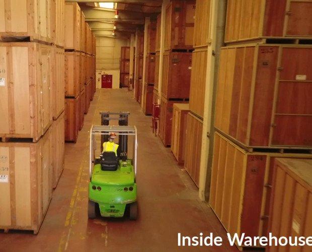 Guardamuebles.Nuestro guardamuebles dispone de 23.000 metros cuadrados y 15.000 metros cúbicos disponibles para almacenar sus pertenencias