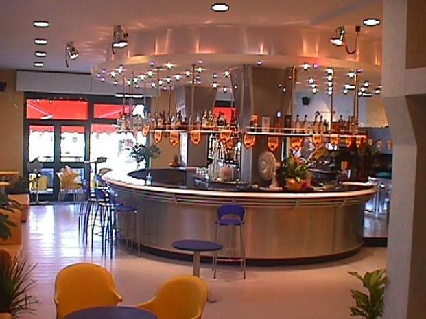 Diseño de bar. Diseño de bar estilo americano