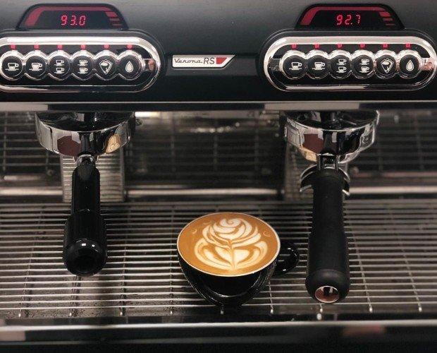 Latte Art. Sólo si la máquina funciona en perfectas condiciones será posible obtener un MOSPRESSO perfecto.