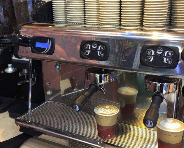 Cafetera para eventos. El sistema seleccionado por MOSPRESSO para preparar un buen café es el mas utilizado en cafeterías y restaurantes, el espresso