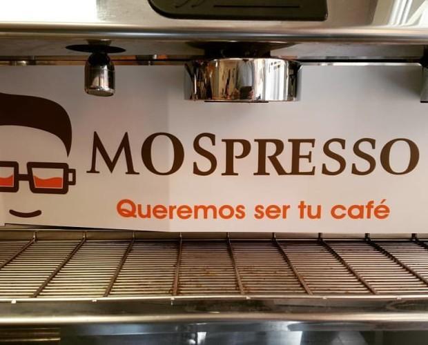 Cafeteras personalizadas. Nos adaptamos a la imagen del local para incluirlo en su máquina de café