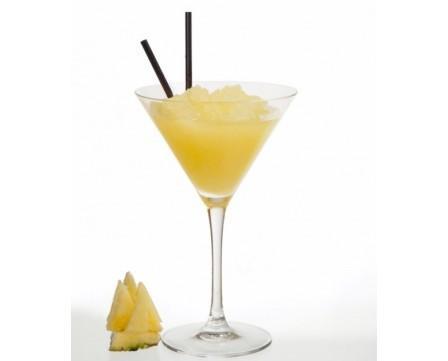Granizado de piña. Es muy aromática y de sabor dulce, con un toque moderado de acidez.