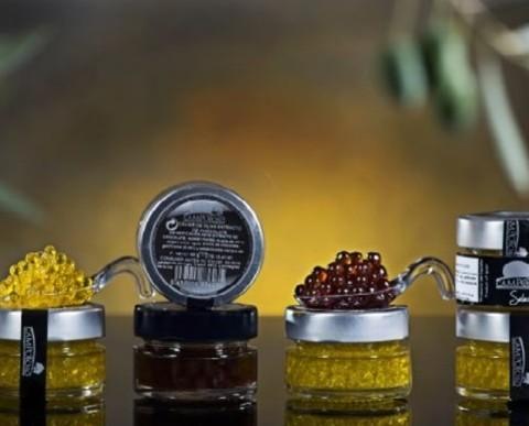 Esferas de aceite y vinagre. Deliciosas esferas de aceite de oliva o de vinagre. Una explosión de sabores al comerlas.