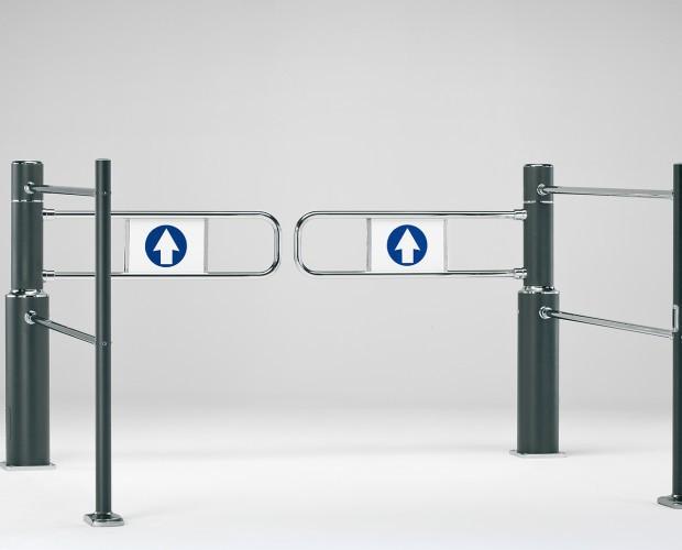 Estanterías para Supermercados.Conjunto de dispositivos como banderolas mecánicas y electrónicas, barras guía y torniquetes.