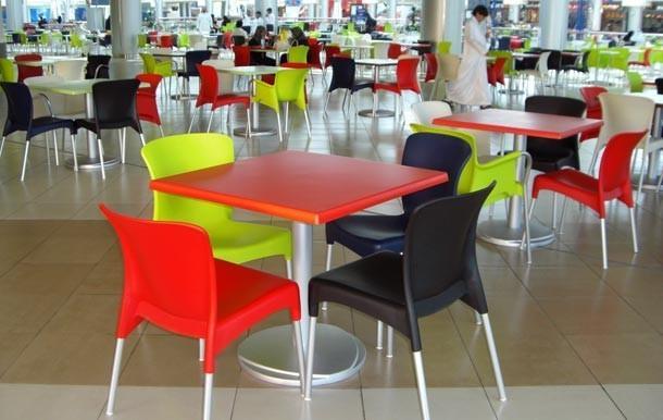Mesas y sillas. Infinidad de diseños