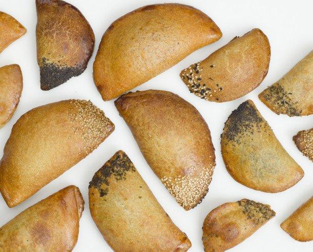 Empanadillas. De varios tamaños y rellenos