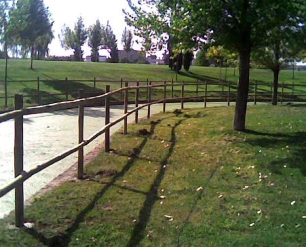 Jardineros.En jardinería, realizamos cerramientos con postes