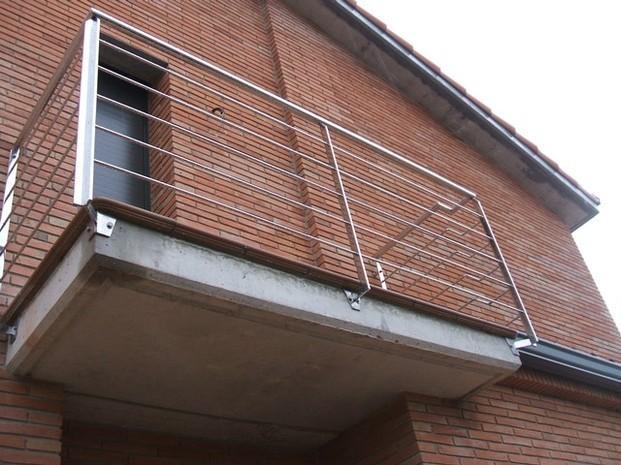 Instaladores de Cubiertas.Barandas para balcones