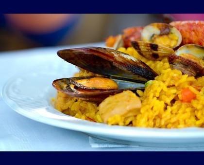 Paella. Paella con el tradicional sabor de España