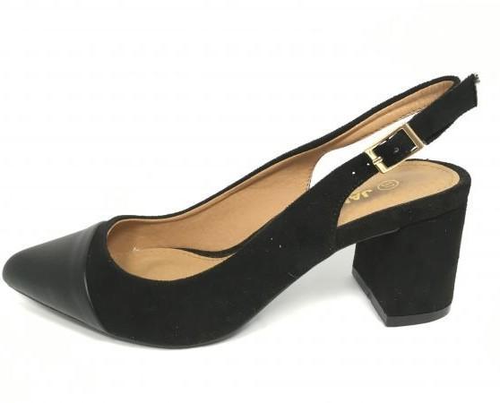 Zapatos de tacón negrojpg. Muy elegantes