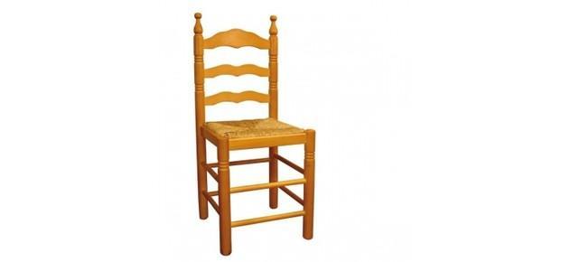 Sillas de madera. Muebles para hoteles