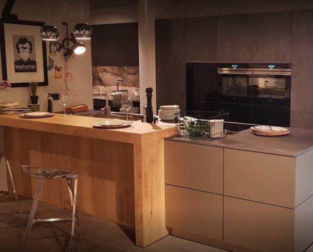 Tu cocina. Diseño y montaje de cocinas a medida. Electrodomésticos. Mármoles. Tarima flotante.