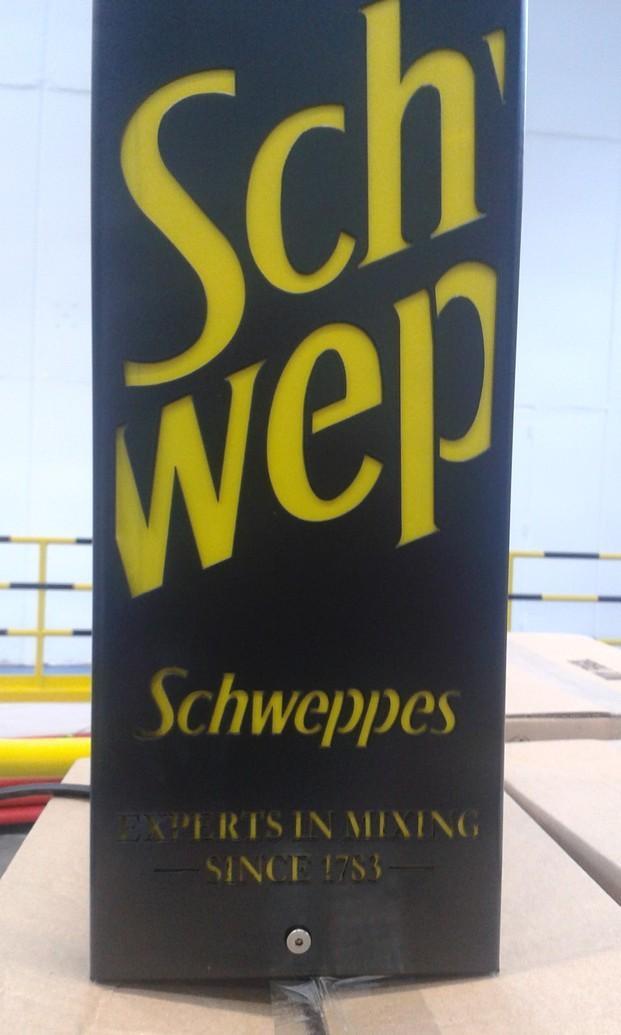 Automática personalizado. Trabajamos con la prestigiosa marca Schweppes