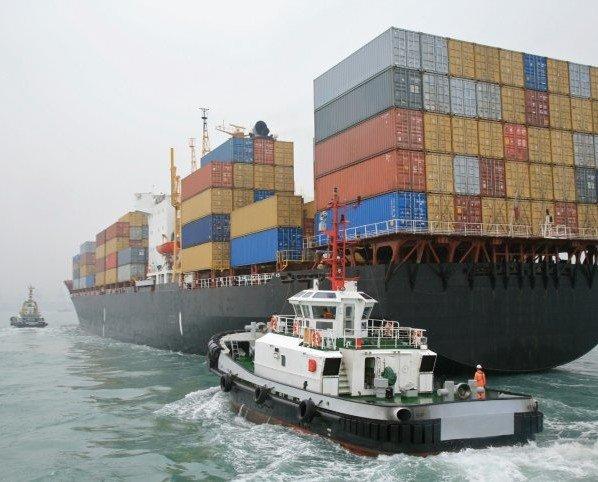 Consultores de Comercio Exterior.Trabajamos con compañías que brindan logística, servicios de carga, etc.