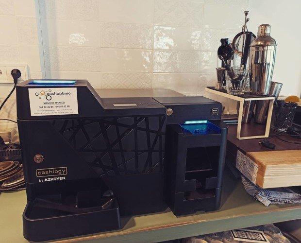 Instalación en Puerto de Vega. Instalación de máquina Cashlogy en Puerto de Vega con software Nerón