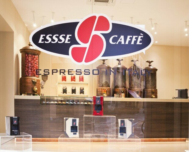 Store Shop cafeteras ESSSE. Tienda de café. Maquinas S.12. de varios colores by Giugiaro. Cápsulas 7 Gr.
