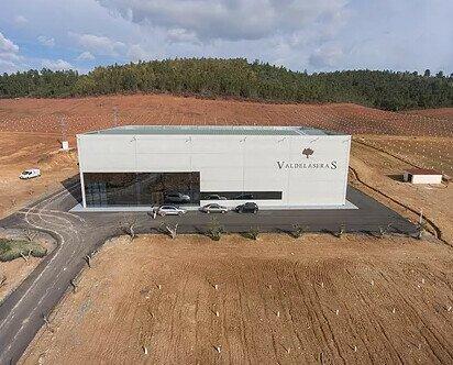 Instalaciones en Valdedelaseras. Ubicados en La Codosera, Badajoz