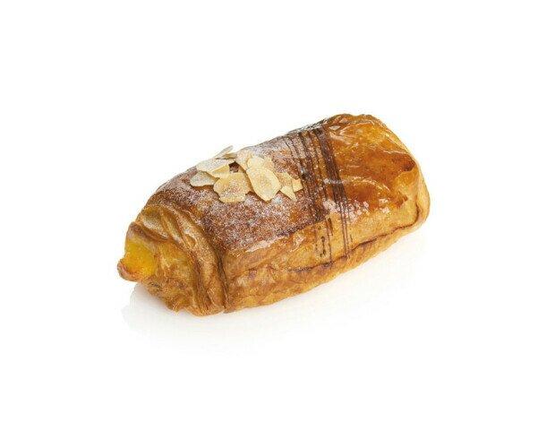 Napolitana Crema. Recubierta de almendras tostadas por encima