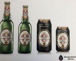 Botellas de Cerveza con Alcohol.Cerveza con cuerpo, aroma y amargor