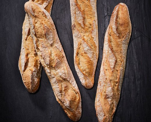 Baguette francesa masa madre. baguette francesa masa madre
