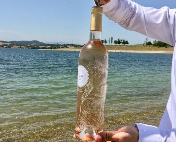 Vino rosado francés. De la magnífica región de Provenza, ubicada en el sur este de Francia