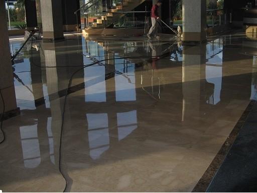 Obras y Reformas.Vitrificado de pavimento de marmol