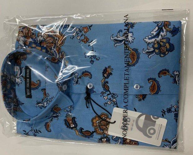 Camisas de vestir. Azul con detalles