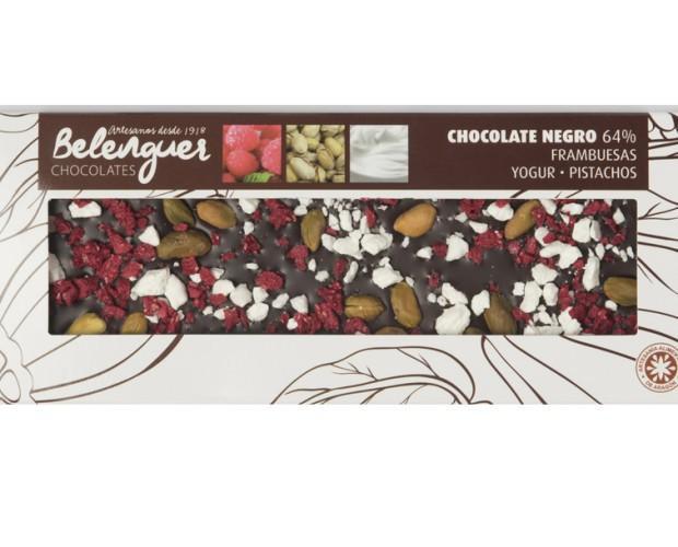Chocolate. Chocolate negro con frambuesa liofilizada, pistachos y yogur liofilizado.