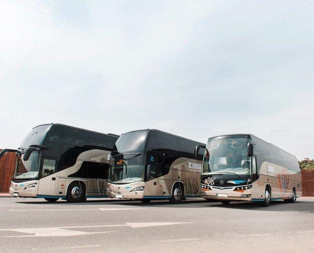 Autocares VIP Car. Para hasta 81 plazas.