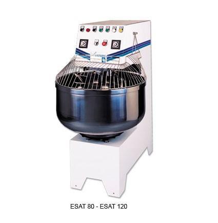 Maquinaria. Amasadoras, cortadoras de pan, cocedor al vapor...