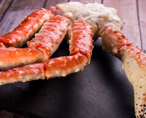 Medio cuerpo de King Crab. Pescado en el Mar de Barents