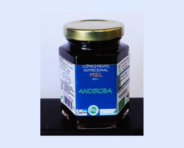 Materias Primas para Cosmética Natural. Extractos Naturales de Plantas. Ésta miel es más oscura que las comunes debido a la gran concentración de nutrientes que posee