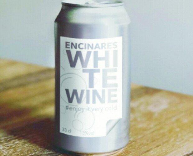 Vino Blanco.Novedad en el mercado. Un sabor nuevo elaborado de una mezcla de cinco vinos blancos