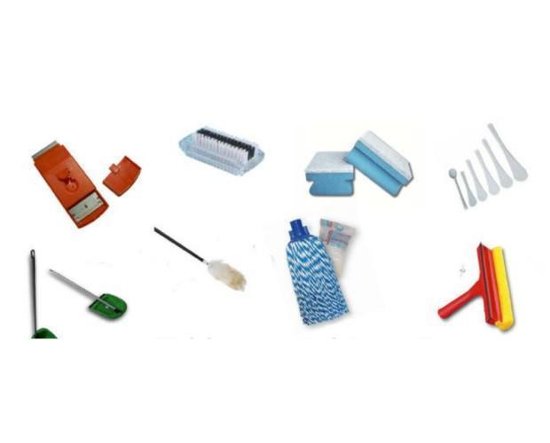 Diferentes artículos limpieza. Amplia gama de artículos de limpieza
