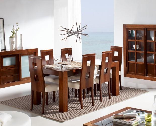 Mobiliario de Comedor.Comedor fabricado en madera de pino maciza.