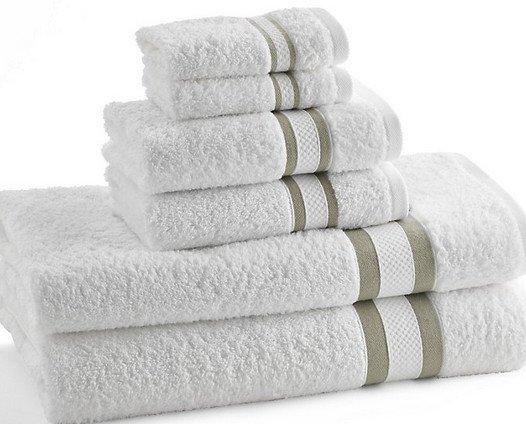 Toallas. Diferentes medidas de toallas en 100% algodón con posibilidad de grabado personalizado.