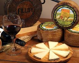 Variedad de quesos. Elaborados con materia prima de calidad
